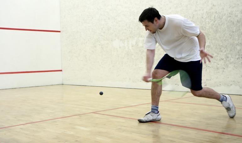 http://lloydssquashclub.com/wp-content/uploads/2011/07/Squashplayer211.jpg
